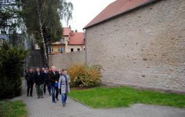 Prace konserwatorskie i renowacyjne północnej części fortyfikacji średniowiecznych położnych przy ul. Wojska Polskiego (wizyta konserwatora zabytków)