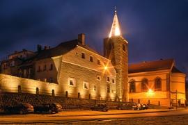 Baszta Rycerska i wejście do miasta od ul. Międzyleśnej