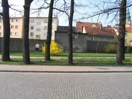 Prace konserwatorskie i renowacyjne północnej części fortyfikacji przy ul. Wojska Polskiego – II etap (przed remontem)
