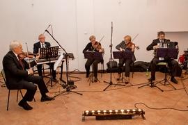 Nocne zwiedzanie miasta, koncert Orkiestry Zdrojowej w pomieszczeniu byłej księgarni, Plac Wolności 17