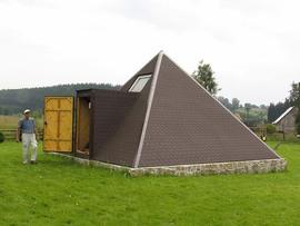 """Piramida Cheopsa, agroturystyka """"Andrzejówka"""" w Lasówce"""